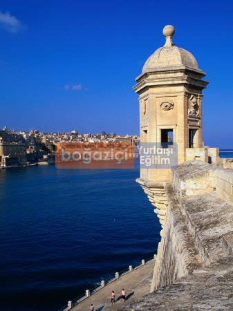 gebicki-michael-the-vedette-at-senglea-overlooking-the-grand-harbour-valletta-malta