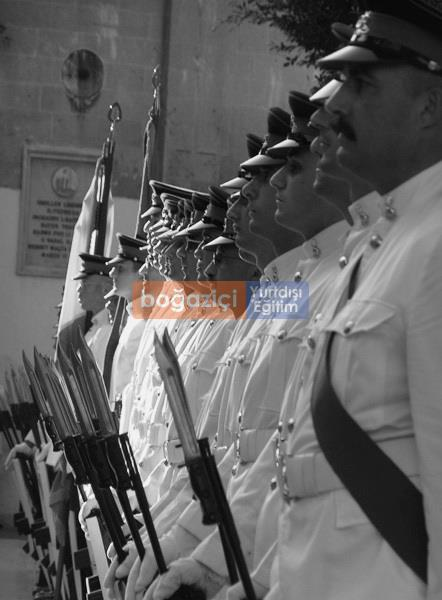 gozo soldiers Blackwhite.jpeg